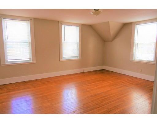 Casa Unifamiliar por un Alquiler en 630 Franklin 630 Franklin Melrose, Massachusetts 02176 Estados Unidos