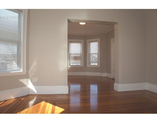 Additional photo for property listing at 334 Chestnut St #3 334 Chestnut St #3 Lynn, Massachusetts 01902 Estados Unidos