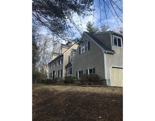 Single Family Home for Sale at 63 Whitewood Road 63 Whitewood Road Milford, Massachusetts 01757 United States