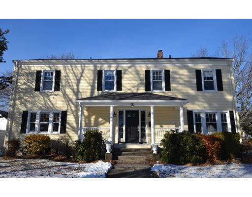 Single Family Home for Sale at 429 William Street 429 William Street Stoneham, Massachusetts 02180 United States