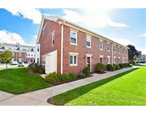 Condominio por un Alquiler en 146 Quincy Shore Dr #56 146 Quincy Shore Dr #56 Quincy, Massachusetts 02171 Estados Unidos