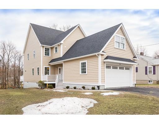 Casa Unifamiliar por un Venta en 98 Border Street 98 Border Street Dedham, Massachusetts 02026 Estados Unidos