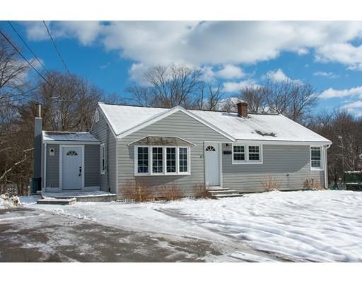 独户住宅 为 销售 在 10 Bartlett Street 10 Bartlett Street Oxford, 马萨诸塞州 01540 美国