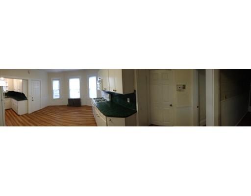 Apartamento por un Alquiler en 118 Plymouth #1 118 Plymouth #1 Bridgewater, Massachusetts 02324 Estados Unidos