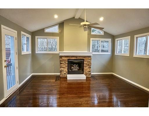 独户住宅 为 销售 在 4 Greenock Lane Nashua, 03062 美国