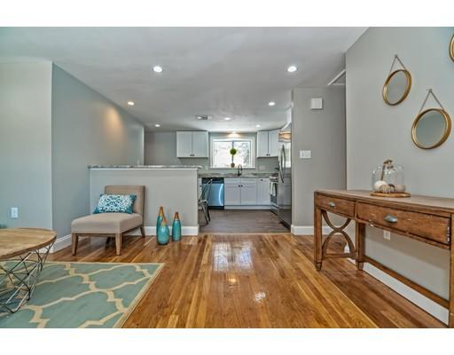 Частный односемейный дом для того Продажа на 51 Robbins Street 51 Robbins Street Acton, Массачусетс 01720 Соединенные Штаты