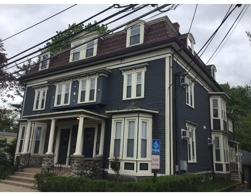 Casa Unifamiliar por un Alquiler en 57 Pleasant Street Woburn, Massachusetts 01801 Estados Unidos