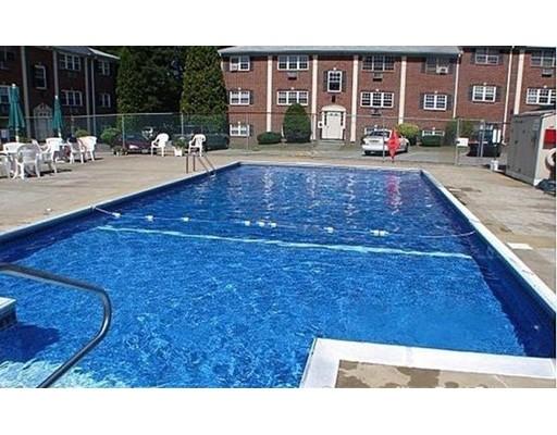 Additional photo for property listing at 25 Arlington Road  Woburn, 马萨诸塞州 01801 美国