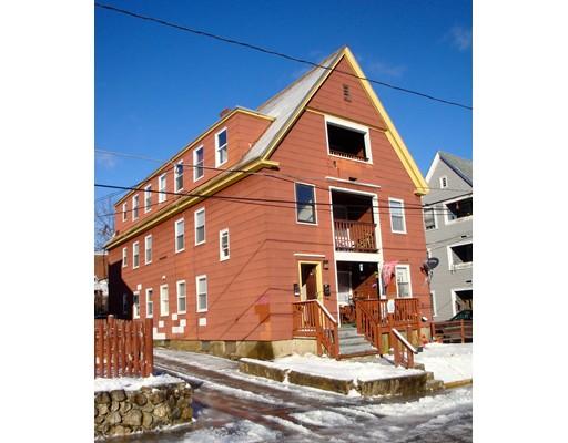 多户住宅 为 销售 在 8 Windsor Court 8 Windsor Court Southbridge, 马萨诸塞州 01550 美国
