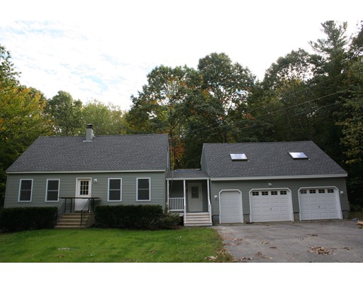 Single Family Home for Sale at 86 Meadowbrook 86 Meadowbrook Epping, New Hampshire 03042 United States