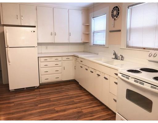 Apartamento por un Alquiler en 73 Main Street #1 73 Main Street #1 Pepperell, Massachusetts 01463 Estados Unidos