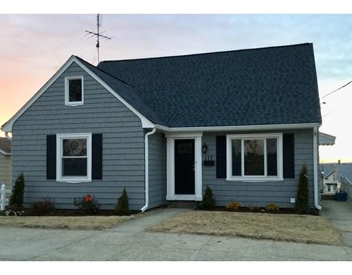 Maison unifamiliale pour l Vente à 117 Cottage Street 117 Cottage Street Woonsocket, Rhode Island 02895 États-Unis