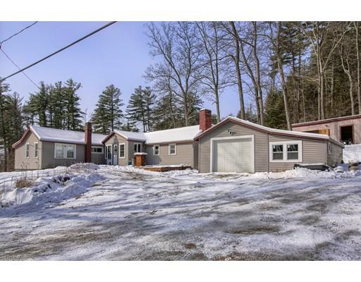 واحد منزل الأسرة للـ Sale في 69 Perham Corner Road 69 Perham Corner Road Lyndeborough, New Hampshire 03082 United States