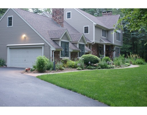 Single Family Home for Sale at 28 Deerfield Ter 28 Deerfield Ter Rochester, Massachusetts 02770 United States