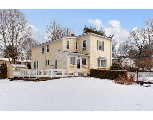 Частный односемейный дом для того Продажа на 428 North Avenue 428 North Avenue Weston, Массачусетс 02493 Соединенные Штаты