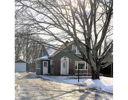 Maison unifamiliale pour l Vente à 7 Ellis Avenue 7 Ellis Avenue Dudley, Massachusetts 01571 États-Unis
