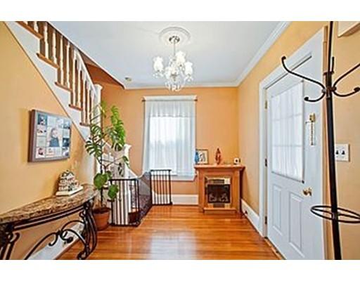 Частный односемейный дом для того Продажа на 48 Cummings Avenue 48 Cummings Avenue Quincy, Массачусетс 02170 Соединенные Штаты