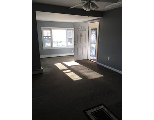 شقة للـ Rent في 957 Temple St #1 957 Temple St #1 Whitman, Massachusetts 02382 United States