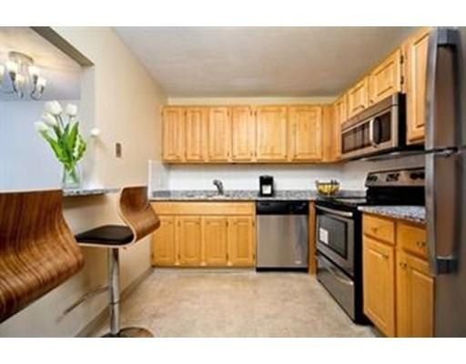独户住宅 为 出租 在 32 Whites Avenue 沃特敦, 马萨诸塞州 02472 美国