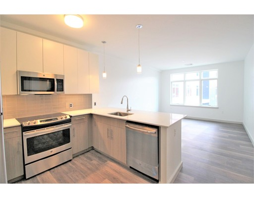 Casa Unifamiliar por un Alquiler en 180 Telford Boston, Massachusetts 02134 Estados Unidos