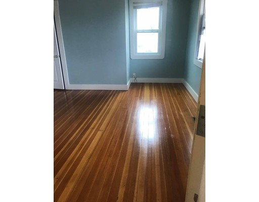 Appartement pour l à louer à 6 Pulaski #1 6 Pulaski #1 Peabody, Massachusetts 01960 États-Unis