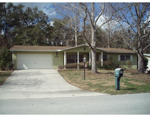 Частный односемейный дом для того Продажа на 328 S Washington 328 S Washington Beverly Hills, Флорида 34465 Соединенные Штаты
