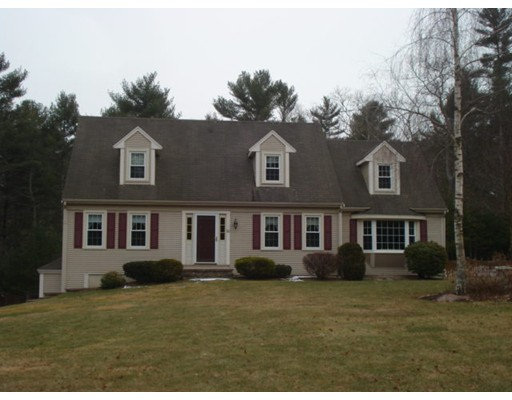 Maison unifamiliale pour l Vente à 50 Deer Hill Lane 50 Deer Hill Lane Carver, Massachusetts 02330 États-Unis