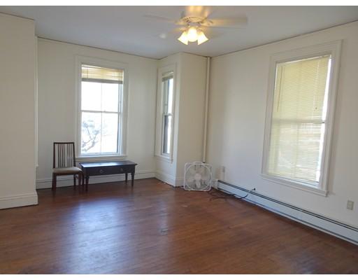 Additional photo for property listing at 37 Pratt Street #1 37 Pratt Street #1 Boston, Massachusetts 02134 États-Unis