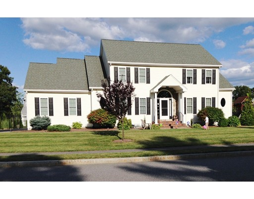 Single Family Home for Sale at 2 Claire Circle 2 Claire Circle Hudson, Massachusetts 01749 United States