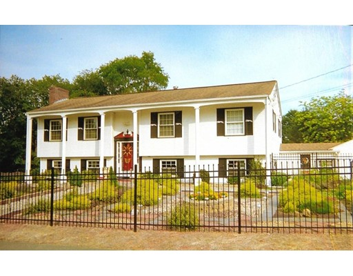 Single Family Home for Sale at 17 Abbott Street 17 Abbott Street Groveland, Massachusetts 01834 United States