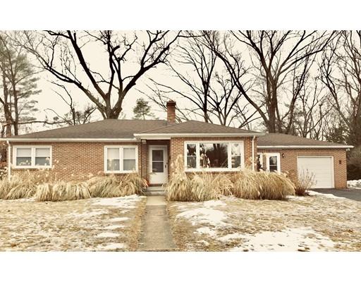 独户住宅 为 销售 在 5 Hillcrest Avenue 5 Hillcrest Avenue South Hadley, 马萨诸塞州 01075 美国
