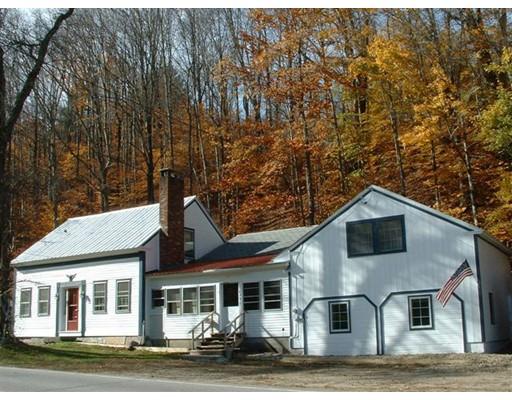 Частный односемейный дом для того Продажа на 4876 VT RT 100 4876 VT RT 100 Wardsboro, Вермонт 05360 Соединенные Штаты