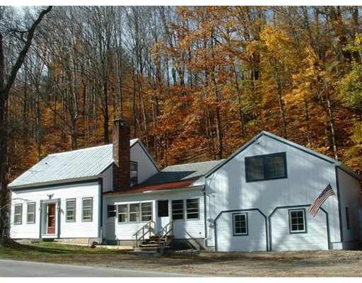 Casa Unifamiliar por un Venta en 4876 VT RT 100 4876 VT RT 100 Wardsboro, Vermont 05360 Estados Unidos