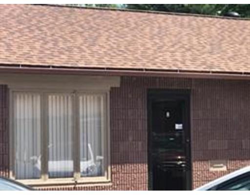Коммерческий для того Аренда на 179 Northampton Street 179 Northampton Street Easthampton, Массачусетс 01027 Соединенные Штаты
