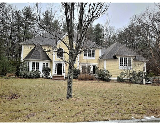 Picture 3 of 33 Robinson Dr  Bedford Ma 4 Bedroom Single Family