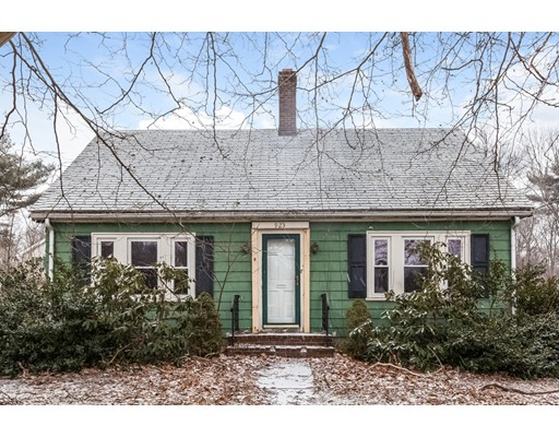Single Family Home for Sale at 923 Hancock Street 923 Hancock Street Abington, Massachusetts 02351 United States