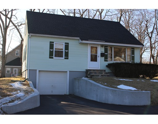 Picture 1 of 20 Prospect  Merrimac Ma  4 Bedroom Single Family#