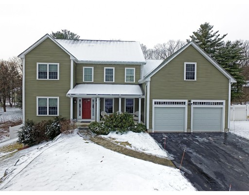 Single Family Home for Sale at 12 Brookbury Circle 12 Brookbury Circle Framingham, Massachusetts 01701 United States