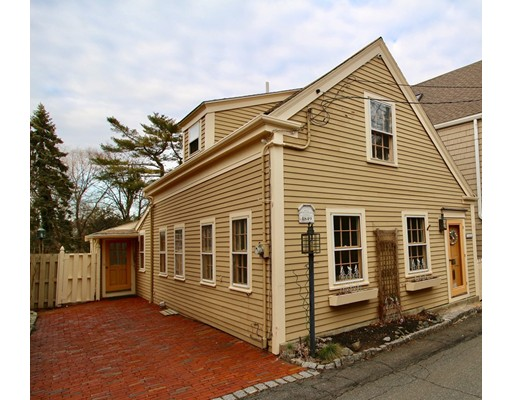 Single Family Home for Sale at 7 Circle Street 7 Circle Street Marblehead, Massachusetts 01945 United States
