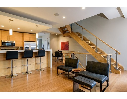 Picture 2 of 60 Clyde St Unit 8 Somerville Ma 2 Bedroom Condo