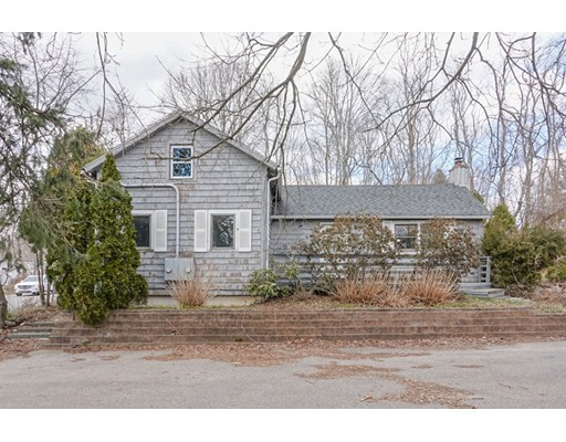 Single Family Home for Sale at 1294 Tower Hill Road 1294 Tower Hill Road North Kingstown, Rhode Island 02852 United States
