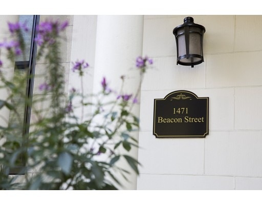 Condominium for Sale at 1471 Beacon Street 1471 Beacon Street Brookline, Massachusetts 02446 United States