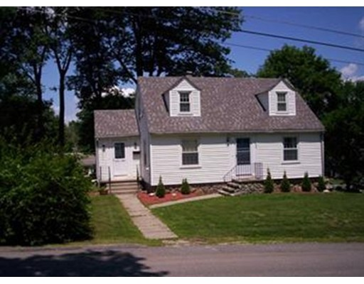 Single Family Home for Sale at 82 Woodycrest Avenue 82 Woodycrest Avenue Southbridge, Massachusetts 01550 United States
