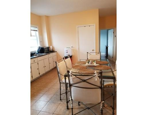 Квартира для того Аренда на 5 Sheppard St #3 5 Sheppard St #3 Brockton, Массачусетс 02301 Соединенные Штаты