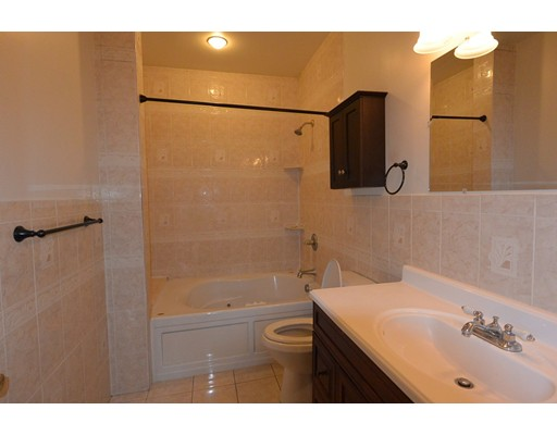 Apartment for Rent at 402 Chestnut Street #1 402 Chestnut Street #1 Clinton, Massachusetts 01510 United States