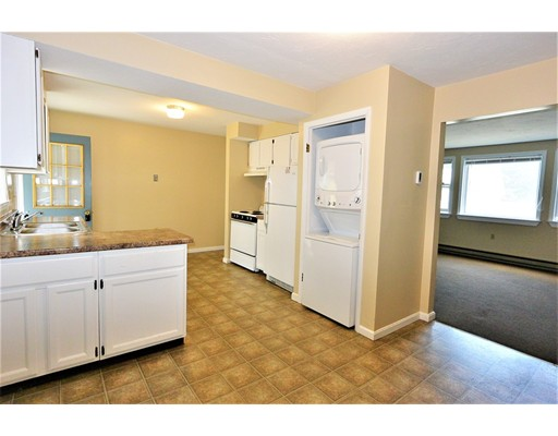 تاون هاوس للـ Rent في 6 Myrtle Street #B 6 Myrtle Street #B Clinton, Massachusetts 01510 United States