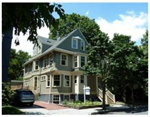联栋屋 为 出租 在 33 Gorham St #33 33 Gorham St #33 坎布里奇, 马萨诸塞州 02138 美国