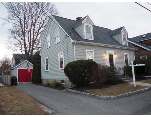 Single Family Home for Sale at 38 Ruby Avenue 38 Ruby Avenue Marblehead, Massachusetts 01945 United States