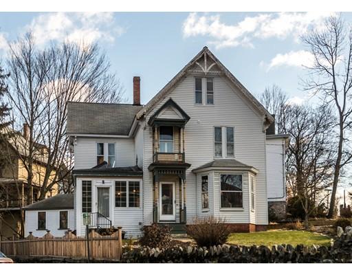 獨棟家庭住宅 為 出售 在 22 Walnut Street 22 Walnut Street Maynard, 麻塞諸塞州 01754 美國