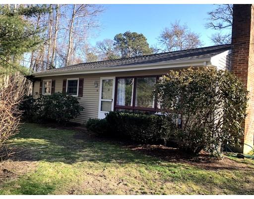 Maison unifamiliale pour l Vente à 74 Depot Road West 74 Depot Road West Harwich, Massachusetts 02671 États-Unis